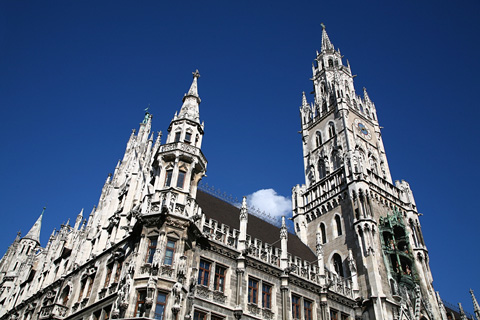 rathaus in marienplatz - munich, germany